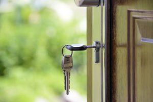 האם כדאי להשקיע בנכסים במהלך משבר הקורונה