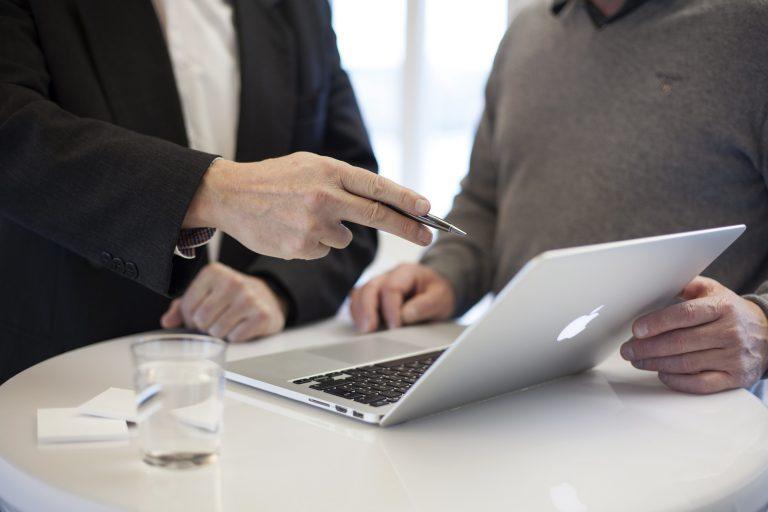 איך בוחרים יועץ שיווק?