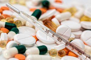 איך נקבעות תופעות לוואי קבועות לתרופות?