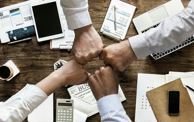 ניהול לקוחות בעסק: עם Holistic CRM עובדים בראש שקט