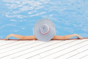 החופשה מחכה לכם: איזה מלון יבטיח לכם חופשה מושלמת?